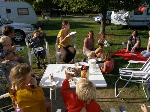 Torte und Gäste