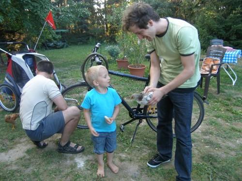 Onkel Josh mit Omis Küken