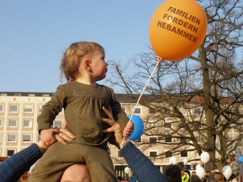 Hebammen-Demo